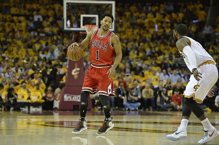 19995e974b3 Derrick Rose nails in game-winning three in Game 3 vs Cavaliers (Video)