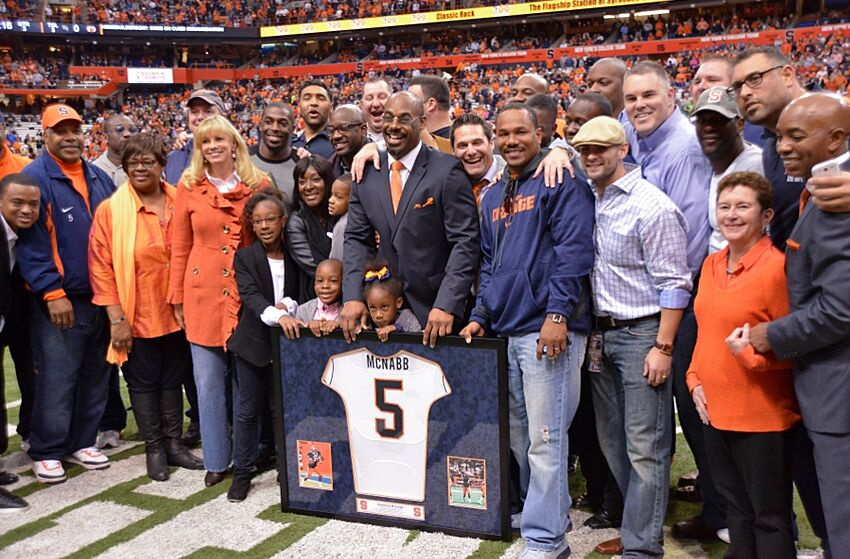 Donovan Mcnabb Rips Cuse For Unretiring No 44 Jersey