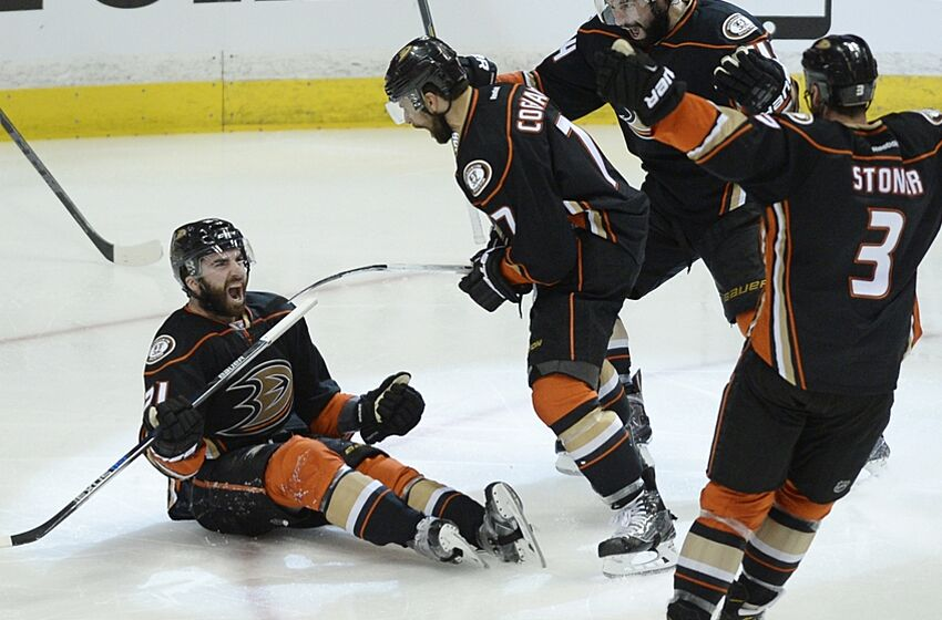 Ducks defeat Blackhawks 4-1: Recap, full highlights