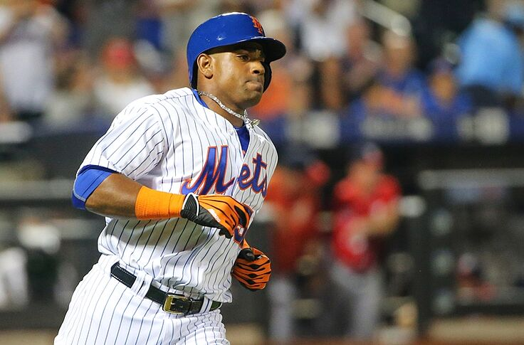 competitive price 48aa5 4cf99 MLB Rumors: Yoenis Cespedes weighing one-year offer from Mets