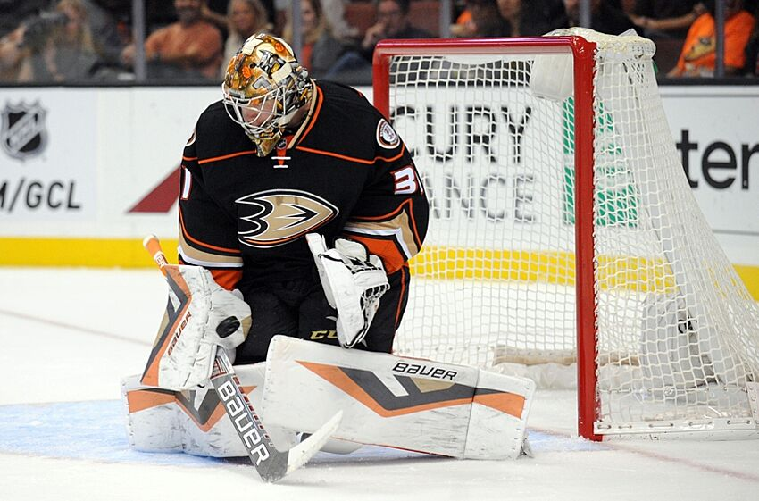 Ducks Frederik Andersen Makes Beautiful Stick Save
