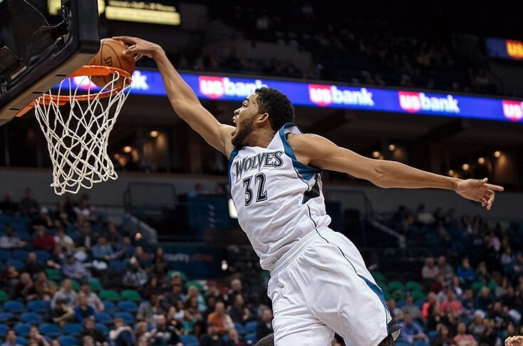 Karl Anthony Towns Throws Down Vicious Dunk Off The Break