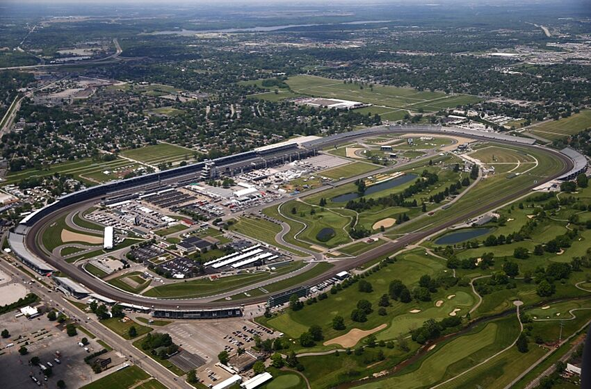 Indy 500 how long is indianapolis motor speedway for Indianapolis motor speedway com