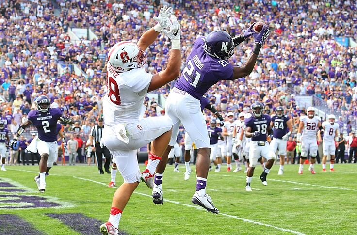 premium selection 025dd a68f9 WATCH: Northwestern Wildcats' Kyle Queiro makes one-handed pick
