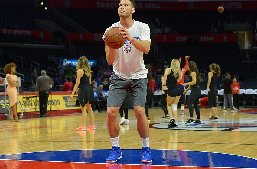 Apr 3, 2016; Los Angeles, CA, USA; Los Angeles Clippers forward Blake Griffin (32) warms up before the game against the Washington Wizards at Staples Center. Mandatory Credit: Jayne Kamin-Oncea-USA TODAY Sports