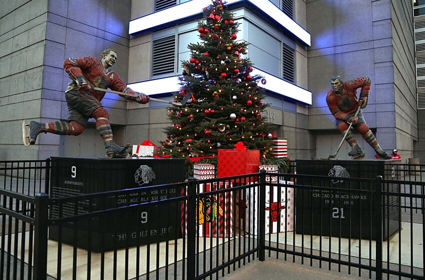 dec 25 2014 chicago il usa a general shot of the - Stores Open On Christmas 2014