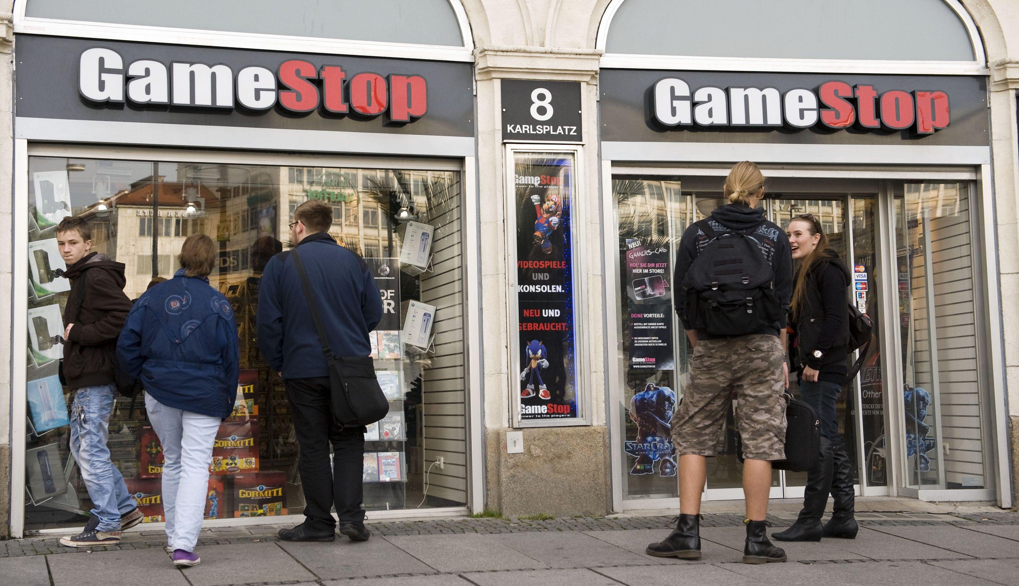 Is Gamestop Open On Christmas Eve