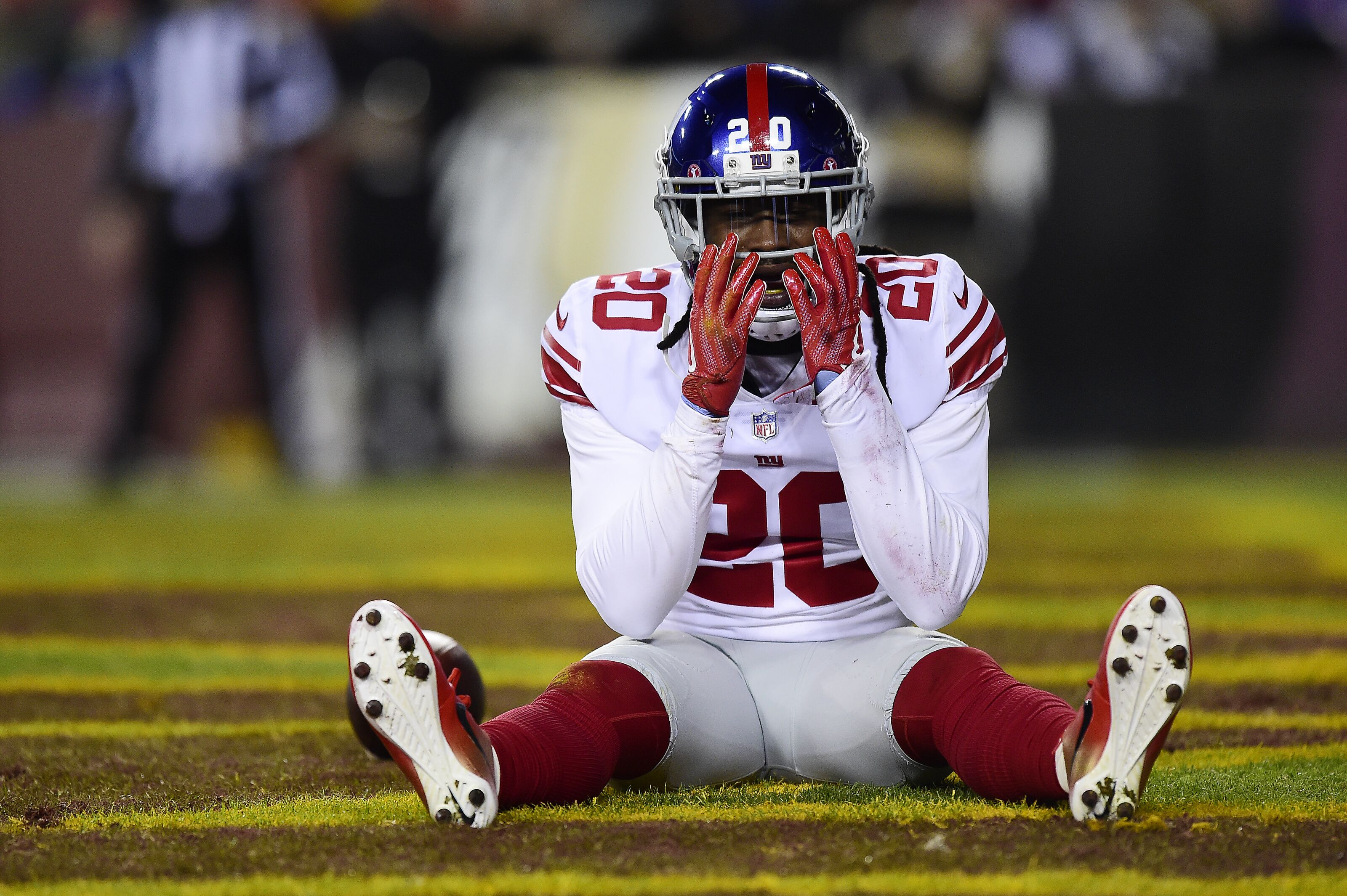 LANDOVER, MD - NOVEMBER 23: Cornerback Janoris Jenkins #20 of the New York Giants reacts after a play in the second quarter against the Washington Redskins at FedExField on November 23, 2017 in Landover, Maryland. (Photo by Patrick McDermott/Getty Images)