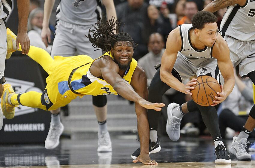 a89a1327023 SAN ANTONIO,TX - JANUARY 13 : Kenneth Faried #35 of the Denver Nuggets