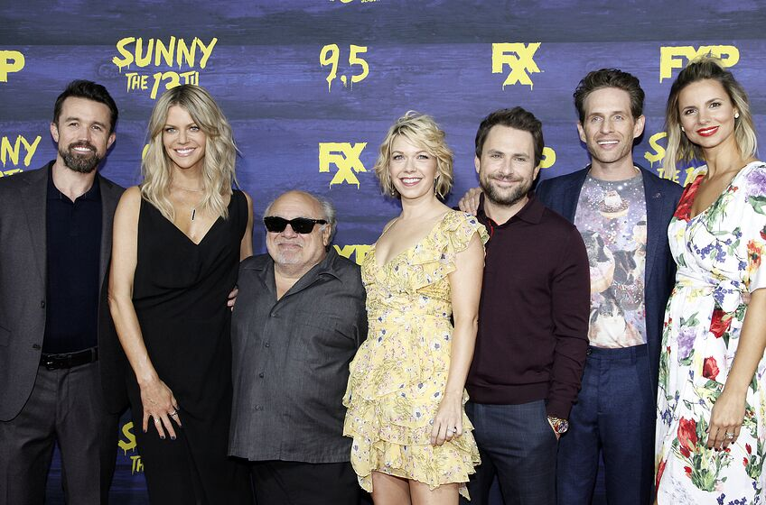 LOS ANGELES, CA - SEPTEMBER 04: (L-R) Rob McElhenney, Kaitlin Olson, Danny DeVito, Mary Elizabeth Ellis, Charlie Day, Glenn Howerton and Jill Latiano attend the premiere of FXX's 'It's Always Sunny In Philadelphia' season 13 at Regency Bruin Theatre on September 4, 2018 in Los Angeles, California. (Photo by Tibrina Hobson/Getty Images)