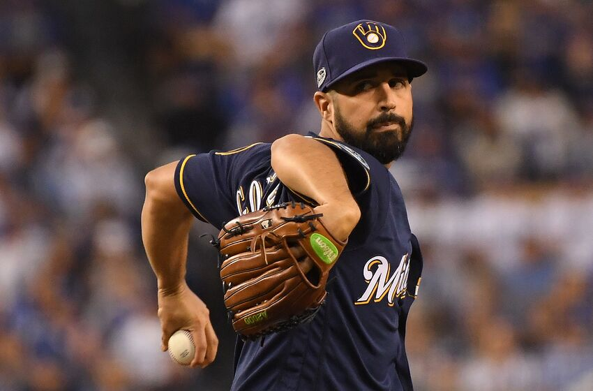 LOS ANGELES, CA - OCTOBER 16: Pitcher Gio Gonzalez #47 of the Milwaukee Brewers pitches during the first inning of Game Four of the National League Championship Series against the Los Angeles Dodgers at Dodger Stadium on October 16, 2018 in Los Angeles, California. (Photo by Harry How/Getty Images)