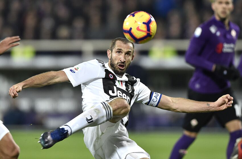 1c0189d49 Giorgio Chiellini of Juventus scores second goal during the Serie A match  between Fiorentina and Juventus