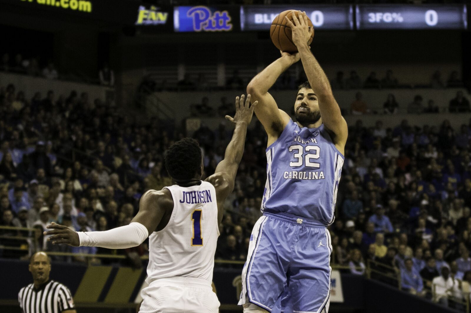 PITTSBURGH, PA -JANUARY 05: North Carolina Tar Heels forward Luke Maye (32) shoots a jump shot during the college basketball game between the North Carolina Tar Heels and the Pittsburgh Panthers on January 05, 2019 at the Petersen Events Center in Pittsburgh, PA. (Photo by Mark Alberti/Icon Sportswire via Getty Images)