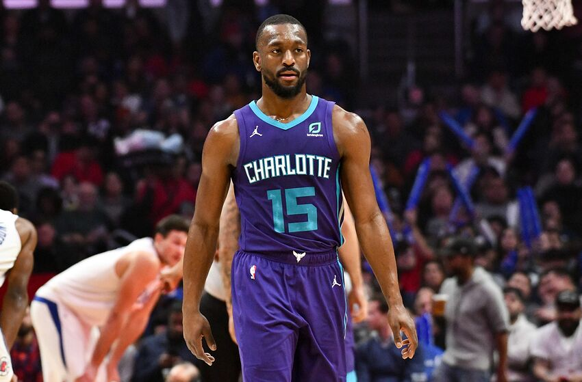 LOS ANGELES, CA - JANUARY 08: Kemba Walker #15 of the Charlotte Hornets looks on during the game against the LA Clippers at Staples Center on January 08, 2019 in Los Angeles, California. NOTE TO USER: User expressly acknowledges and agrees that, by downloading and or using this photograph, User is consenting to the terms and conditions of the Getty Images License Agreement. (Photo by Allen Berezovsky/Getty Images)