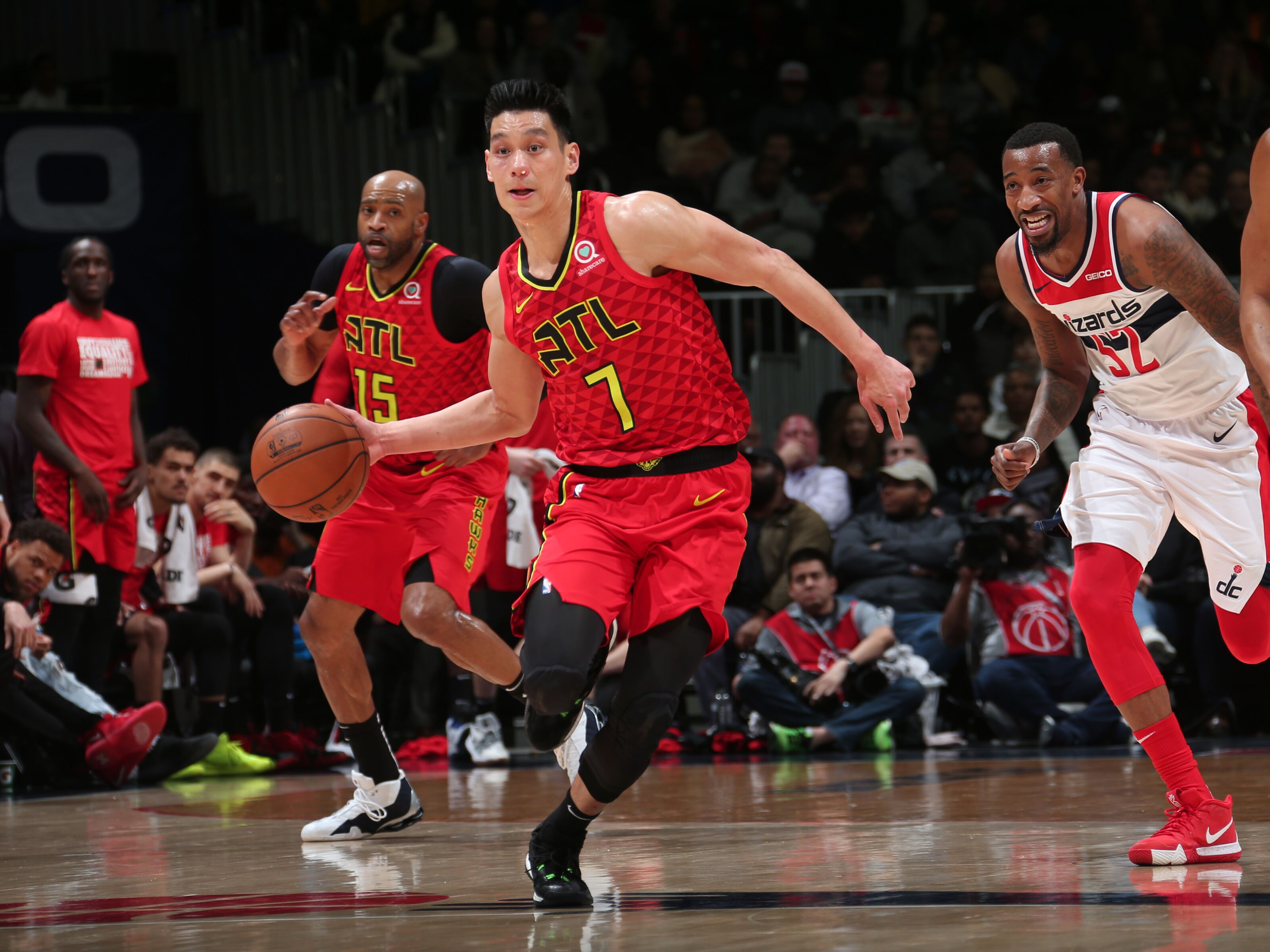 WASHINGTON, DC - FEBRUARY 4: Jeremy Lin #7 of the Atlanta Hawks handles the ball against the Washington Wizards on February 4, 2019 at Capital One Arena in Washington, DC. NOTE TO USER: User expressly acknowledges and agrees that, by downloading and/or using this photograph, user is consenting to the terms and conditions of the Getty Images License Agreement. Mandatory Copyright Notice: Copyright 2019 NBAE (Photo by Ned Dishman/NBAE via Getty Images)