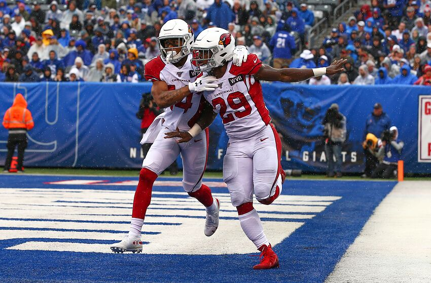 EAST RUTHERFORD, NJ - OCTOBER 20: Arizona Cardinals running back Chase Edmonds (29) celebrates after he scores his second touchdown during the first quarter of the National Football League game between the New York Giants and the Arizona Cardinals on October 20, 2019 at MetLife Stadium in East Rutherford, NJ. (Photo by Rich Graessle/Icon Sportswire via Getty Images)