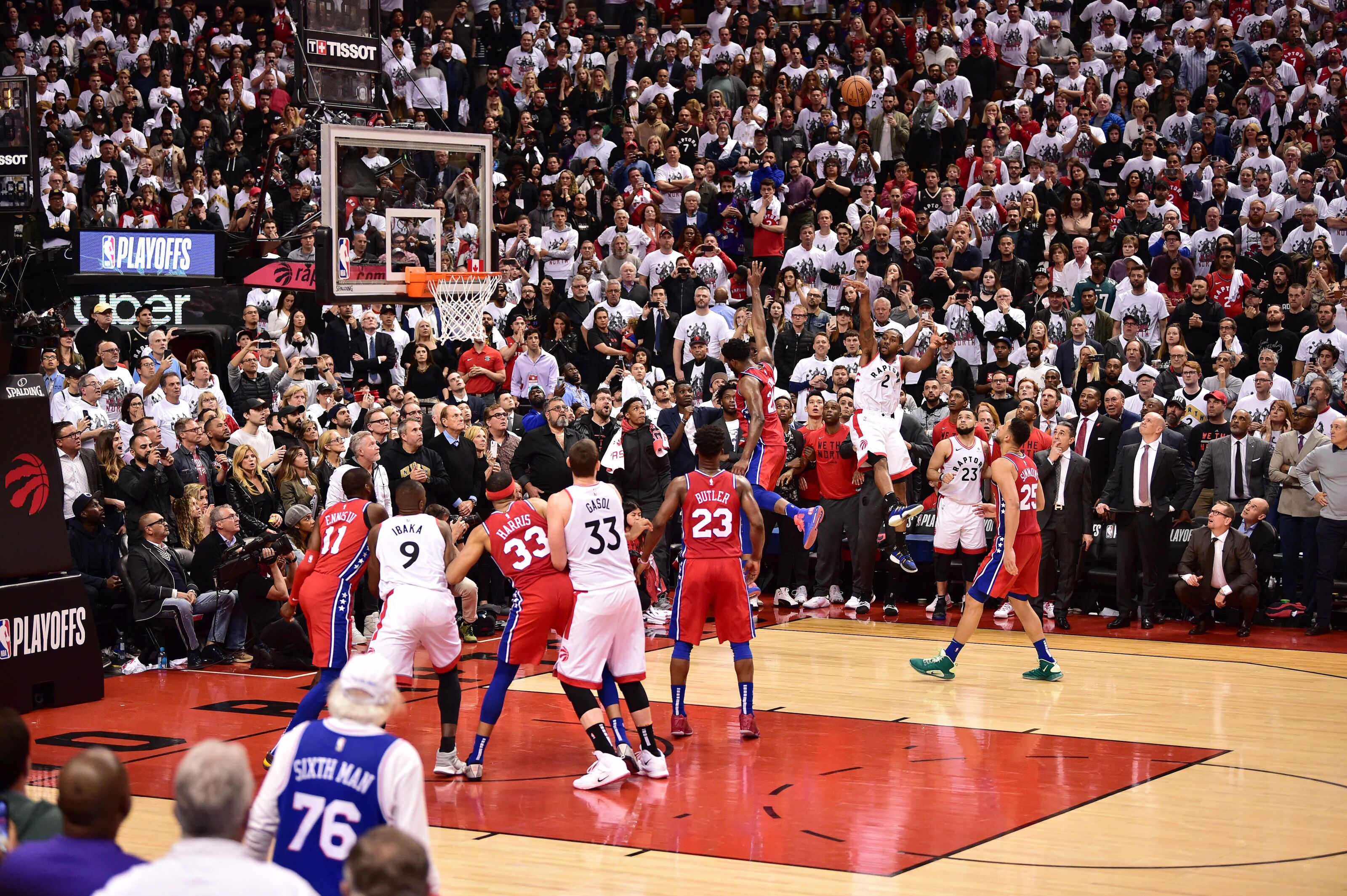 TORONTO, CANADA - MAY 12: Kawhi Leonard #2 of the Toronto Raptors shoots the game winning basket against the Philadelphia 76ers during Game Seven of the Eastern Conference Semi-Finals of the 2019 NBA Playoffs on May 12, 2019 at the Scotiabank Arena in Toronto, Ontario, Canada. NOTE TO USER: User expressly acknowledges and agrees that, by downloading and or using this Photograph, user is consenting to the terms and conditions of the Getty Images License Agreement. Mandatory Copyright Notice: Copyright 2019 NBAE (Photo by David Dow/NBAE via Getty Images)