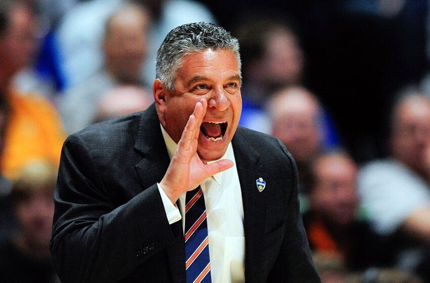 Mar 9, 2016; Nashville, TN, USA; Auburn Tigers head coach Bruce Pearl shouts during the first half against Tennessee Volunteers in game 1 of the SEC Tournament at Bridgestone Arena. Mandatory Credit: Joshua Lindsey-USA TODAY Sports