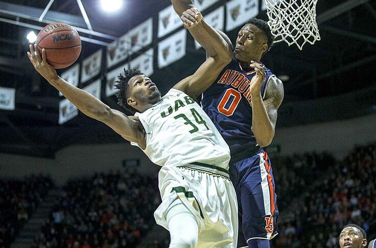 Spencer Brown Suspensions Devastating For Auburn Basketball
