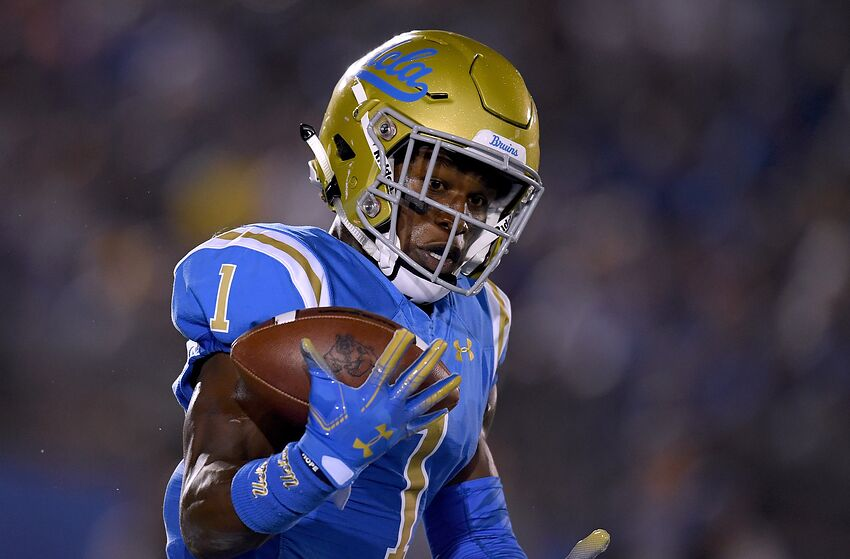 PASADENA, CA - SEPTEMBER 15: Darnay Holmes #1 of the UCLA Bruins juggles a kickoff during the first quarter against the Fresno State Bulldogs at Rose Bowl on September 15, 2018 in Pasadena, California. (Photo by Harry How/Getty Images)