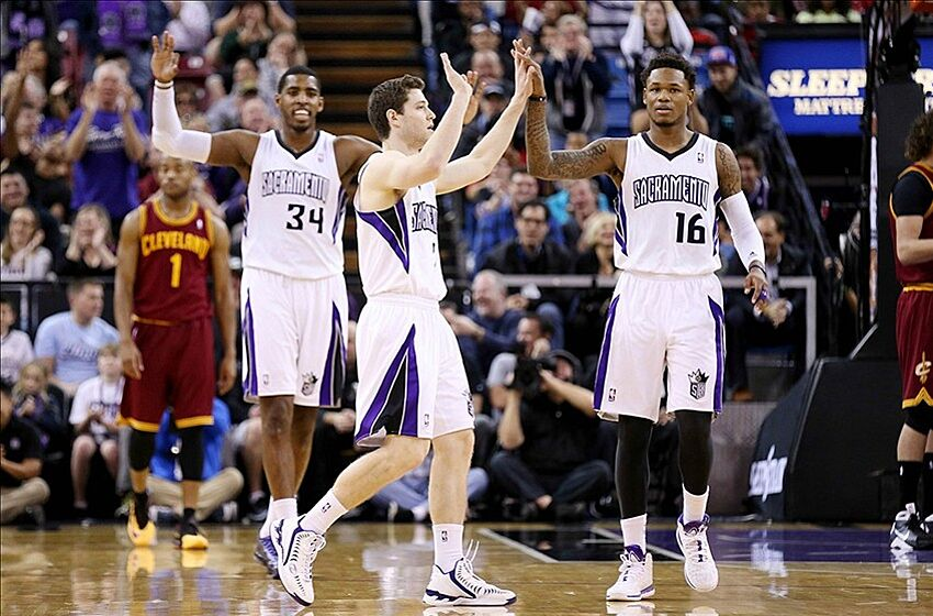 Isaiah Thomas Leads Sacramento Kings To Season s Biggest Blowout ... 7fb5dce49