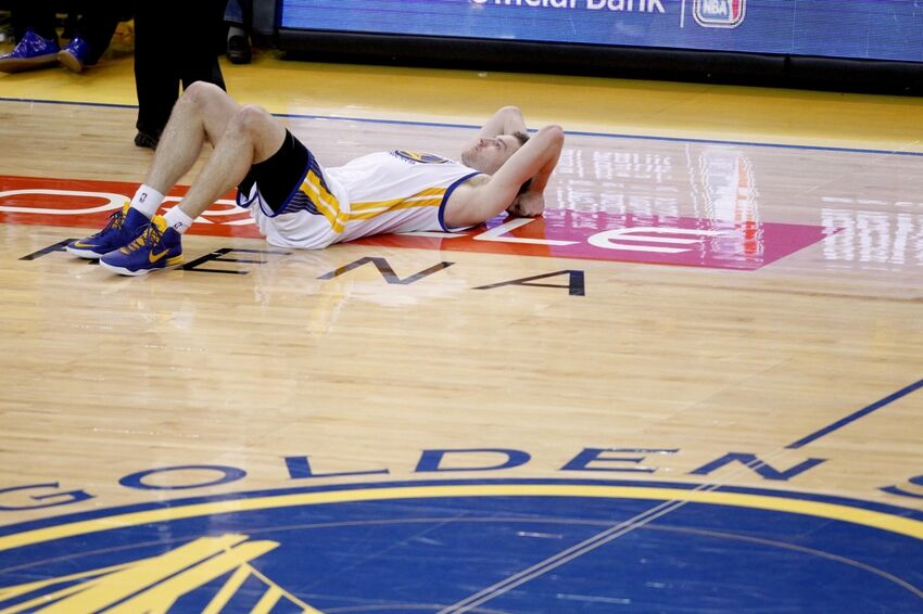 David Lee's Surgery Could Prevent Warriors From Acquiring Kevin Love