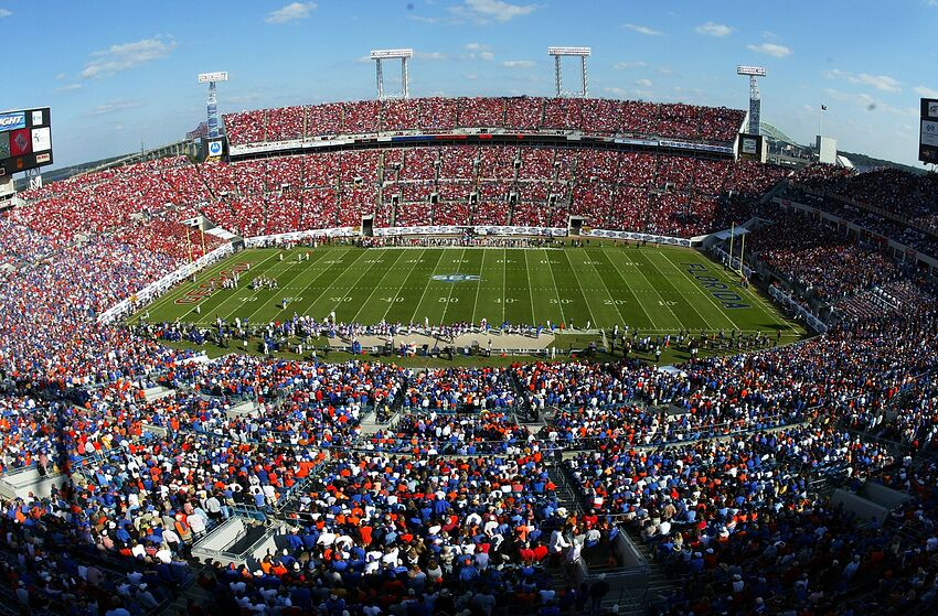JACKSONVILLE, FL - OCTOBER 29: A general view is seen as the Florida Gators take on the Georgia Bulldogs in the first quarter at Alltel Stadium on October 29, 2005 in Jacksonville, Florida. Florida defeated Georgia 14-10. (Photo by Doug Benc/Getty Images)