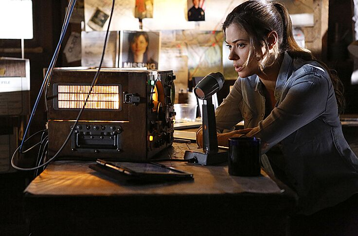 Frequency' Season 1, Episode 13 Recap: Signal Loss
