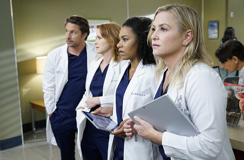 Whos Definitely Leaving After Greys Anatomy Season 14