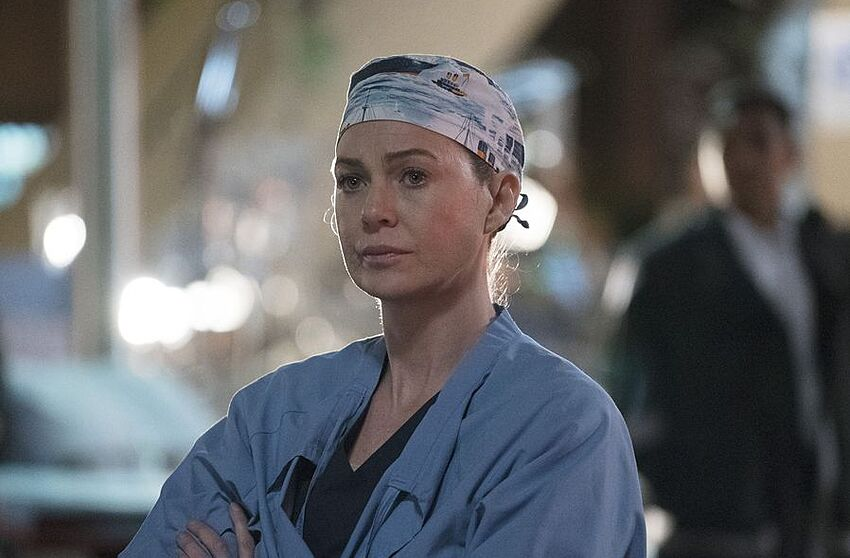 How To Watch The Greys Anatomy Season 13 Finale Ring Of Fire Online