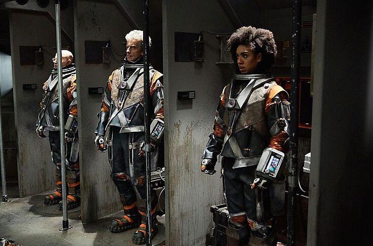 Doctor Who Season 10 Christmas Special.Doctor Who Season 10 Episode 5 Recap The Spacewalking Dead