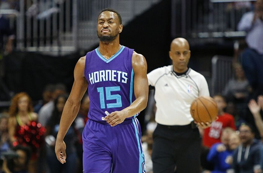 93db195ee71 Feb 28, 2016; Atlanta, GA, USA; Charlotte Hornets guard Kemba Walker