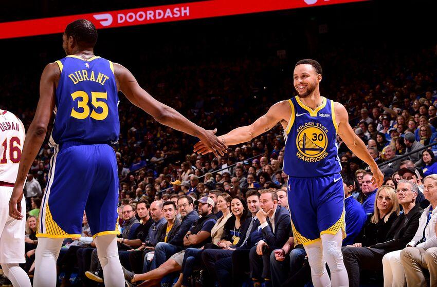 Vắng Kevin Durant, Stephen Curry cùng các đồng đội phải thi đấu thật cháy để khởi đầu NBA Finals 2019