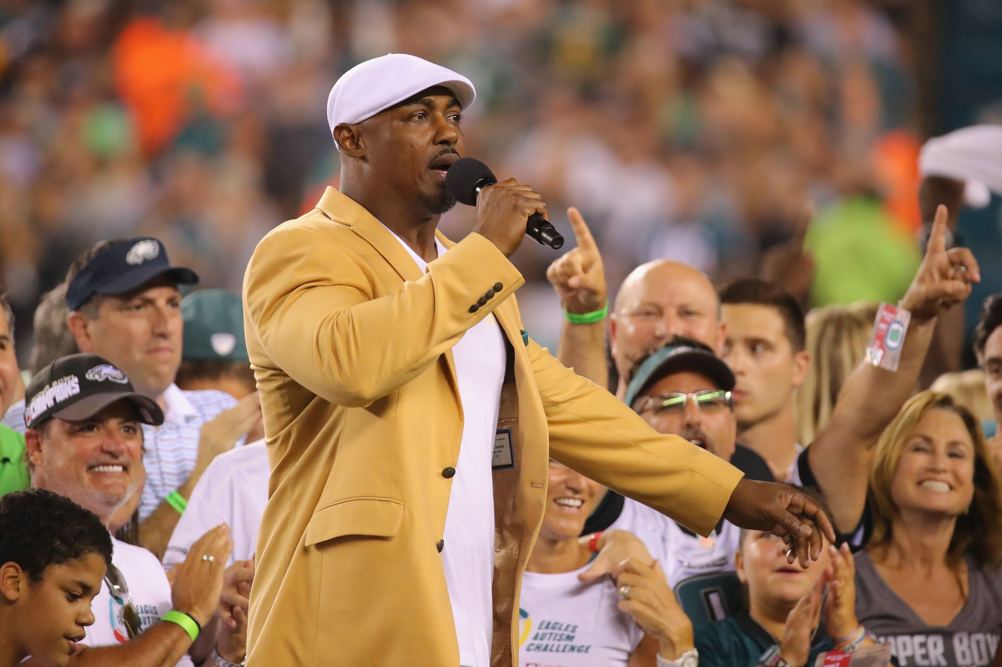 Brian Dawkins will receive his Hall of Fame ring Sunday at halftime