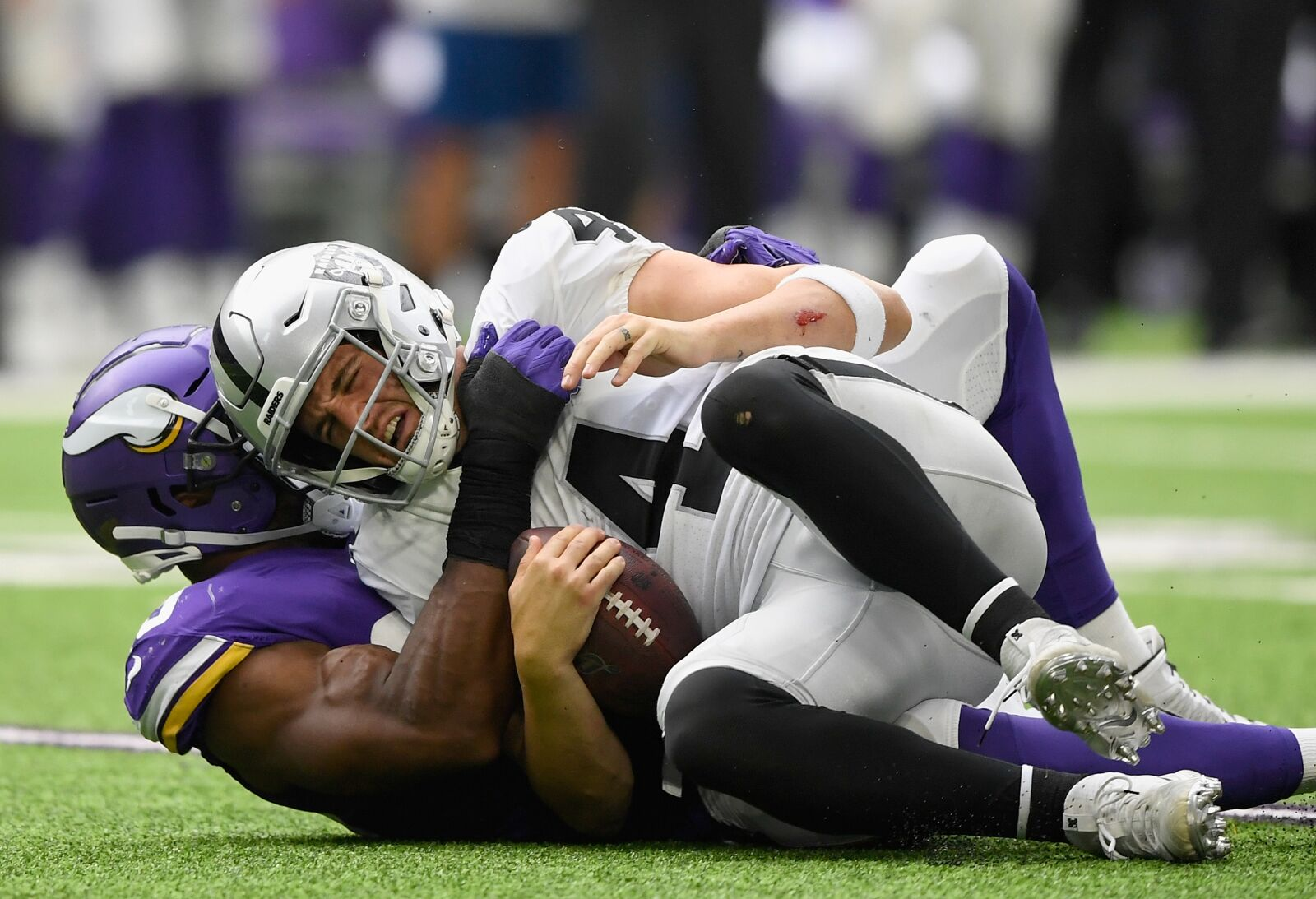 Oakland Raiders Week 3 Review: 3 stars and 3 duds