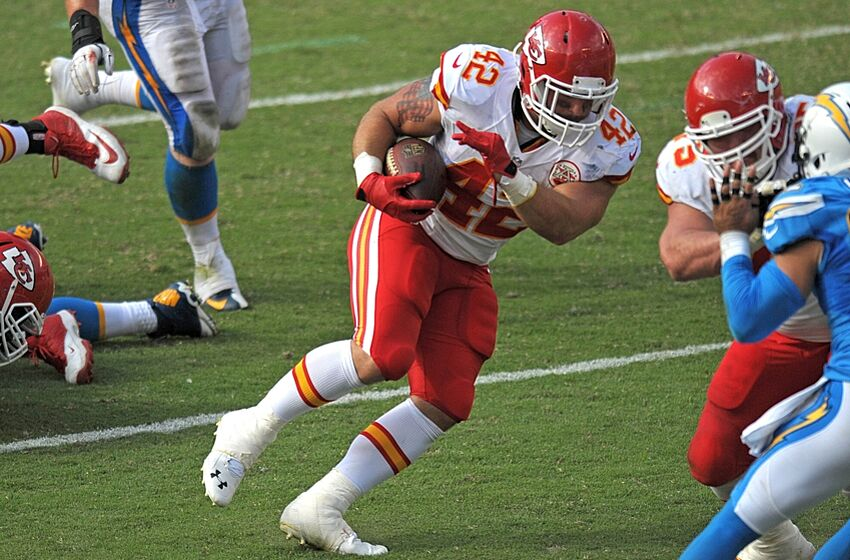 d288d1e0f0 Kansas City Chiefs Extend Fullback Anthony Sherman