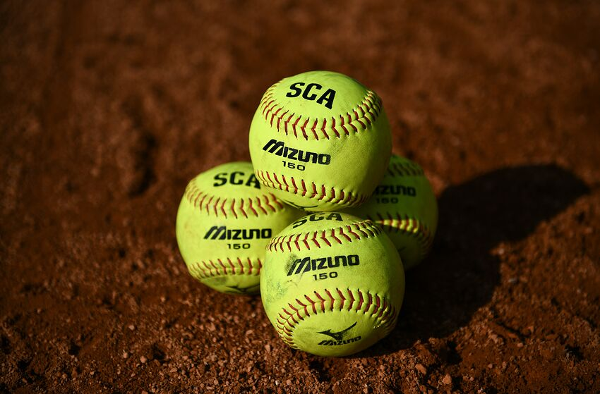 ncaa softball tournament today