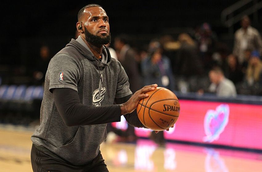 98d9dfb2953 LeBron James Has God Mode Game Against Charlotte