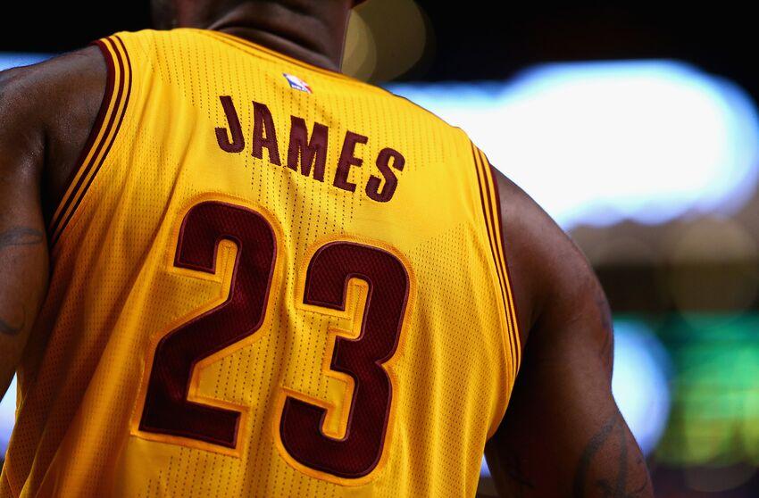 7b41da037c5a Cleveland Cavaliers fan sets himself on fire burning LeBron James jersey