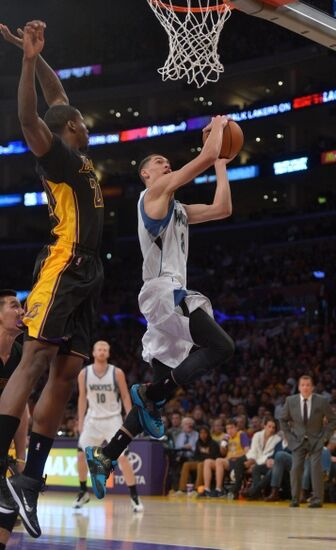 Lakers: How to Improve Defense at Point Guard (video)