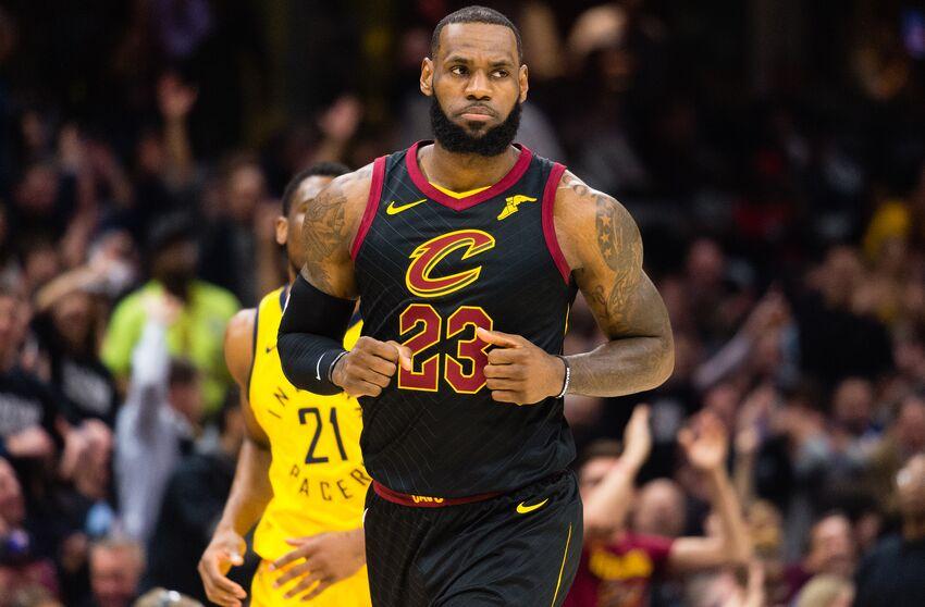 82244894dbdd Los Angeles Lakers  LeBron James  overshadowed by team s performance