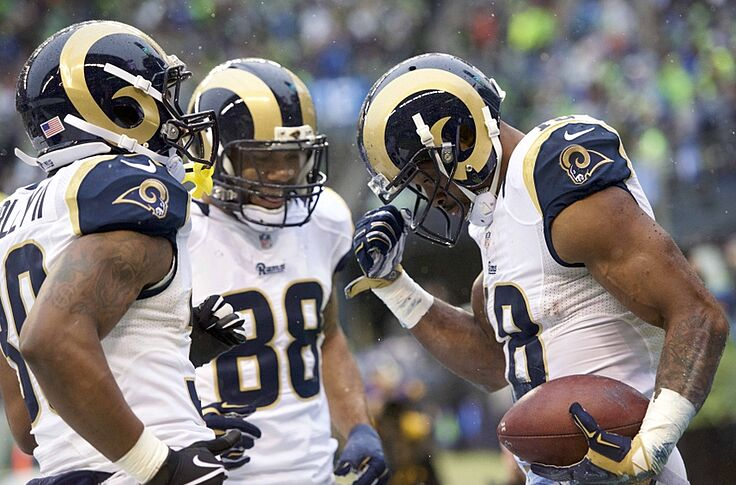 super popular d3c2c cbc52 Los Angeles Rams Won't Change Jerseys Until 2019 Season