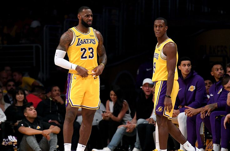 Lebron Lakers >> Los Angeles Lakers Lebron James Should Not Be The Starting