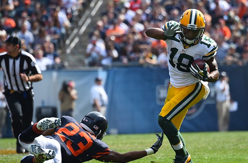 Randall Cobb makes a catch against Chicago Bears cornerback Kyle Fuller  during the second half at f0f93621b