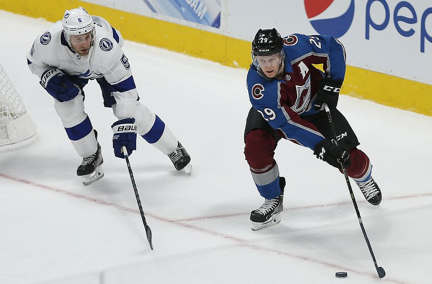 905beee6289 Colorado Avalanche Lose a Nail Biter to a Great Team