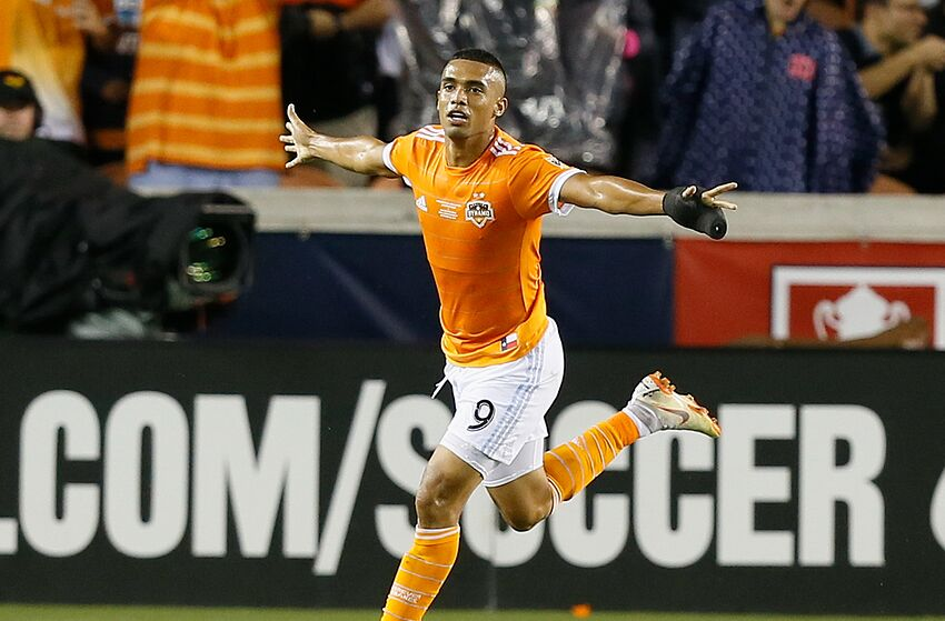 HOUSTON, TX - SEPTEMBER 26: Mauro Manotas #9 of Houston Dynamo celebrates his second goal of the first half against the Philadelphia Union during the 2018 Lamar Hunt U.S. Open Cup final at BBVA Compass Stadium on September 26, 2018 in Houston, Texas. (Photo by Bob Levey/Getty Images)