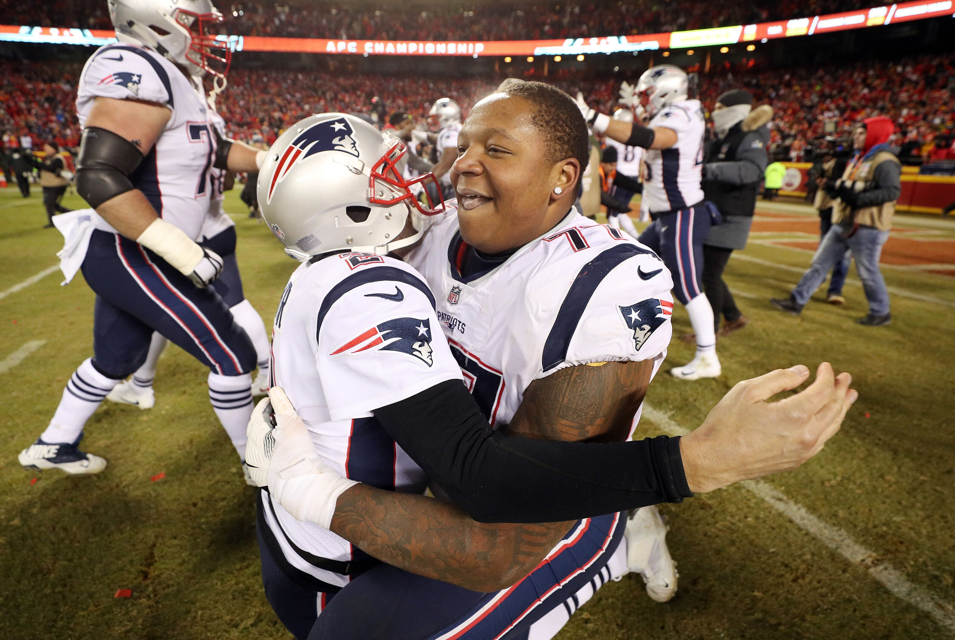 Trent Brown weighs options in free agency, including Patriots