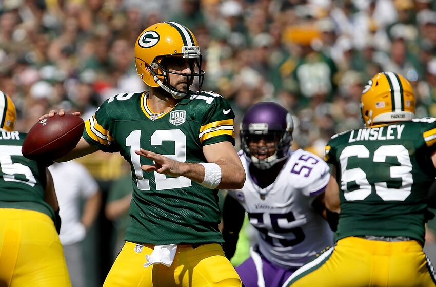 green bay packers play calling should embrace throwing from pocket