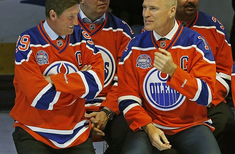 17b6681f315 Apr 6, 2016; Edmonton, Alberta, CAN; Wayne Gretzky and Mark Messier