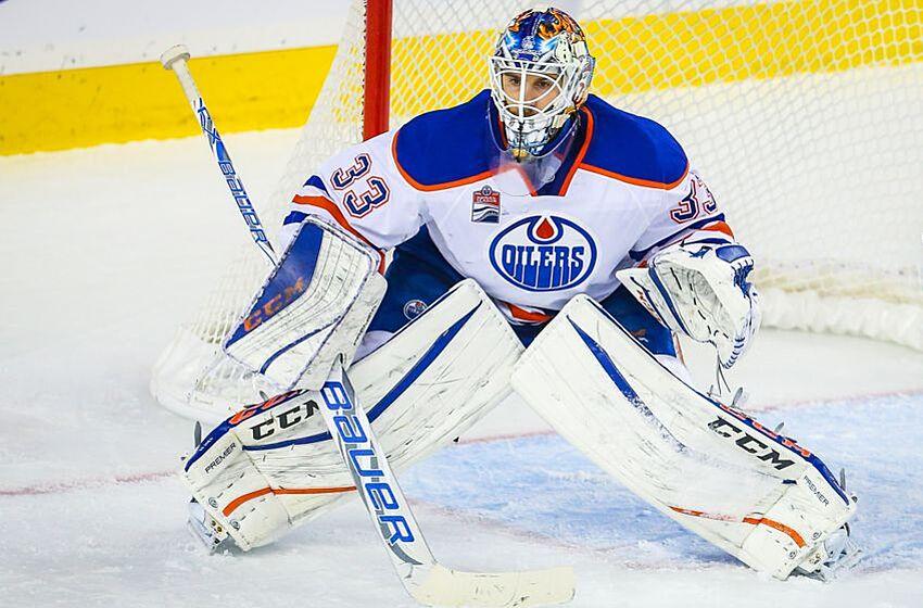 621da0ad2 Oct 14, 2016; Calgary, Alberta, CAN; Edmonton Oilers goalie Cam Talbot